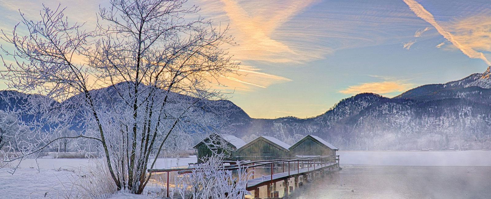 Winterlicher See in Oberbayern
