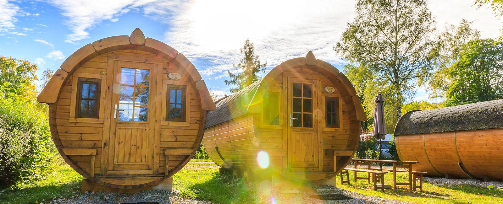 Schlaffass auf Campingplatz in Bayern