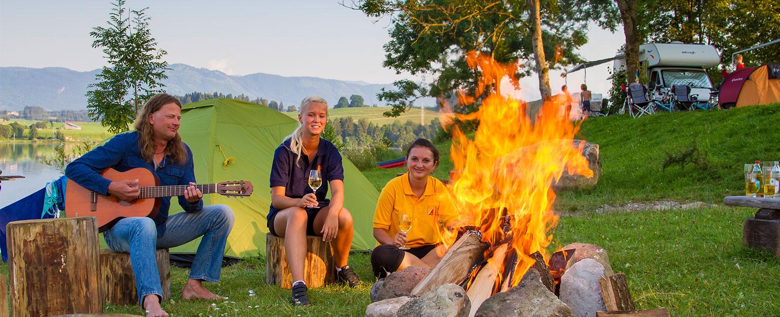 Lagerfeuer am Campingplatz