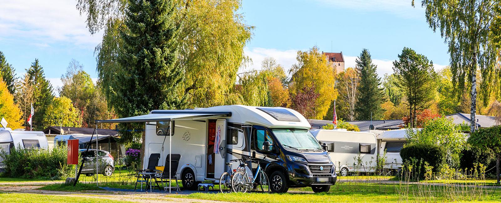 Wohnmobil auf dem Campingplatz